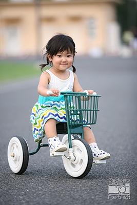 2歳 写真 三輪車