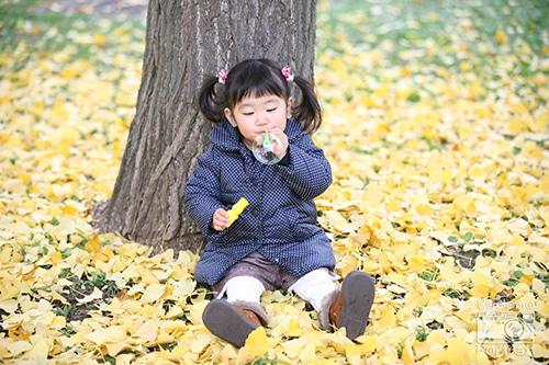 子供 2歳 写真 シャボン玉